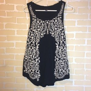 Lucky Brand Embroidered Tank Size m